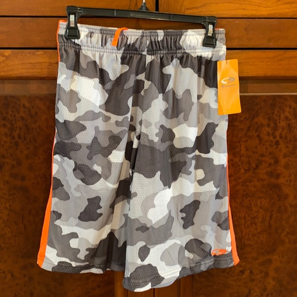 Gray camo C9 boys Large shorts with orange accent